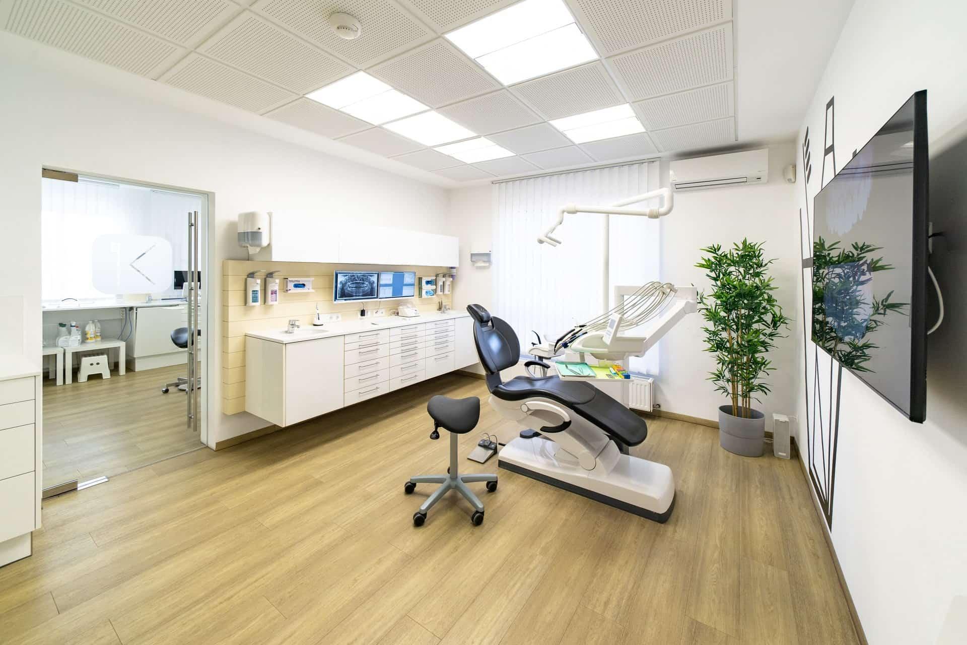 Moderne Praxis Zahnarzt Graz